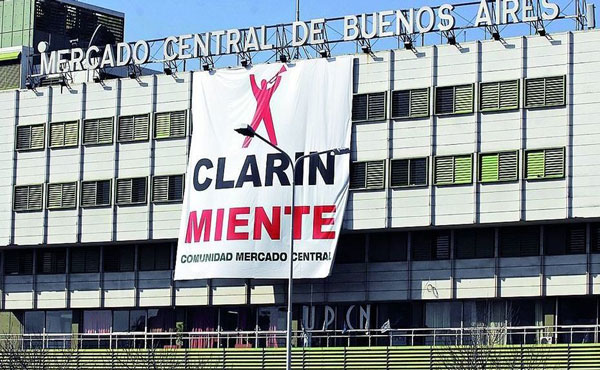 cartel-clarin-miente-mercado-central