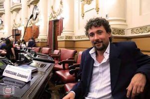 El legislador de Córdoba Ezequiel Peressini de Izquierda Socialista en el Frente de Izquierda