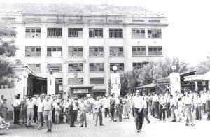 Los trabajadores salieron a defender el Frigorífico estatal